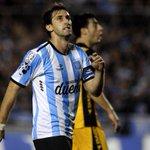 La tristeza de Milito tras la eliminación de Racing en la #CopaLibertadores http://t.co/1oOVn1SUnz http://t.co/stsoASG4jY