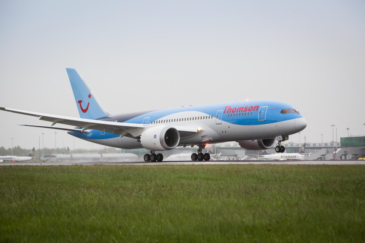 Touchdown! Thomson Airways' newest 787 arrives @STN_Airport to celebrate the airline's new 2016 long haul routes http://t.co/OdiOUb7MbW