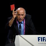 President of Palestinian Football Federation Jibril al Rajoub shows a red card to delegates. #FIFACongress http://t.co/r3xx54zlYd