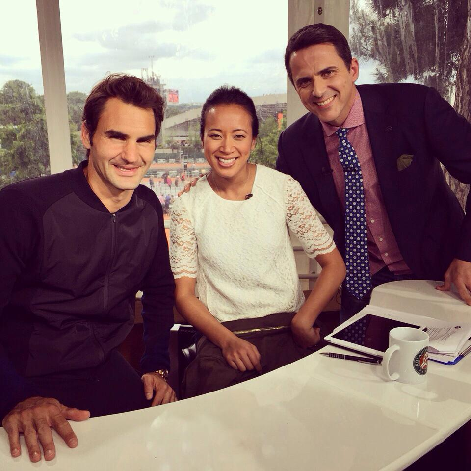Thanks to @rogerfederer for swinging by the @FOXSportsAsia studio and chatting with us after his win @rolandgarros http://t.co/88MN3kIdYo