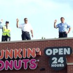 Cops Hit Dunkin Donuts Rooftops To Raise Money For Special Olympics - Read: http://t.co/xgivViKIWZ http://t.co/5P6J5YtDOp
