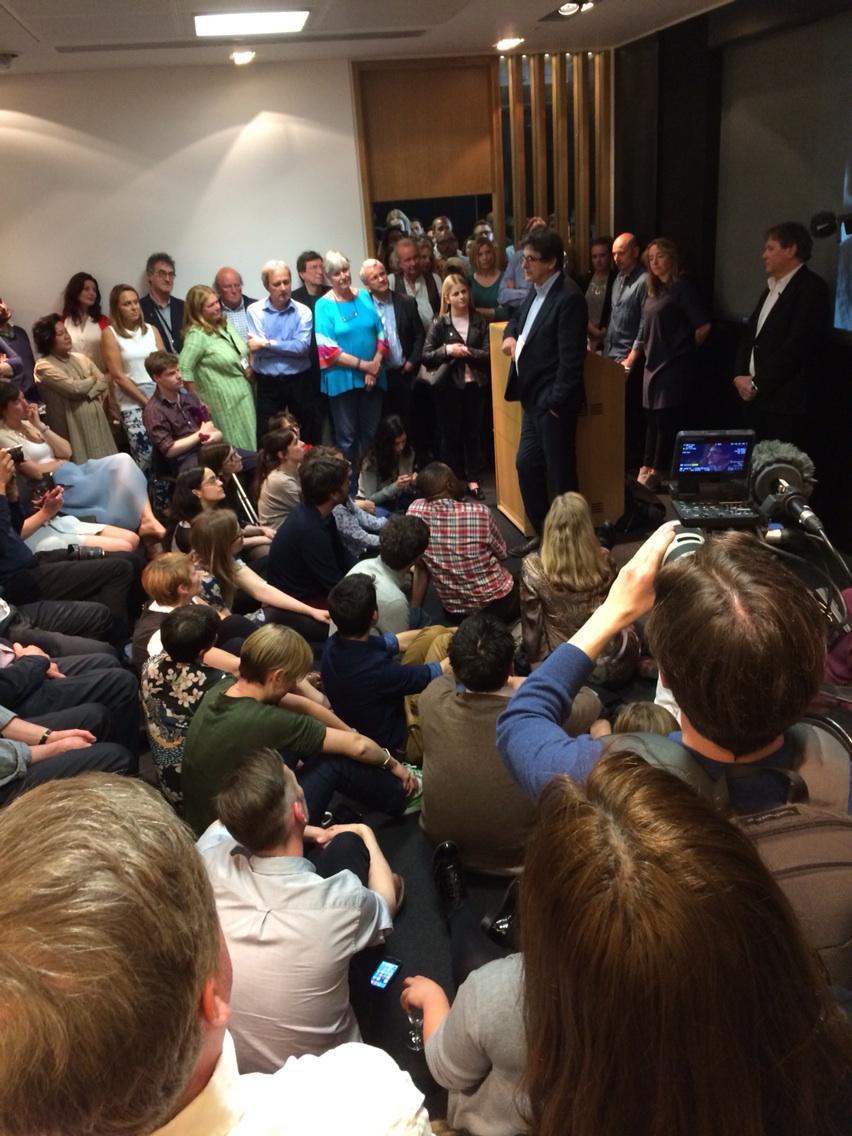 An emotional @arusbridger says farewell to @guardian staff http://t.co/Lokr4Zylnh