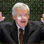 Latest on Dennis Hastert: Sen. Kirk shocked and confused http://t.co/jZWqs1As4d http://t.co/GeFXxksA1Y