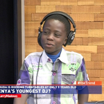 And Larry speaks to 9 year old Dj Buda. #theTrend http://t.co/zpWUui0lAB