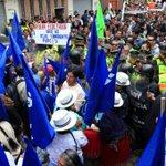 Encuentro entre simpatizantes y opositores en visita del Presidente a Girón http://t.co/HX9tMHrF44 /El Comercio http://t.co/S9aoOsbvbo