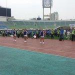 """""""RT @jungwonHJ: 제16회 건강달리기 대회 모두함께하는 에어로빅타임^^ 함께해요 #성남시 http://t.co/n23vAv6ydm"""