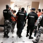 Agente de EMOV EP, en #Cuenca, también recibirá la baja de esta institución. http://t.co/DqhHDkhpqb | @Sanchezmendieta