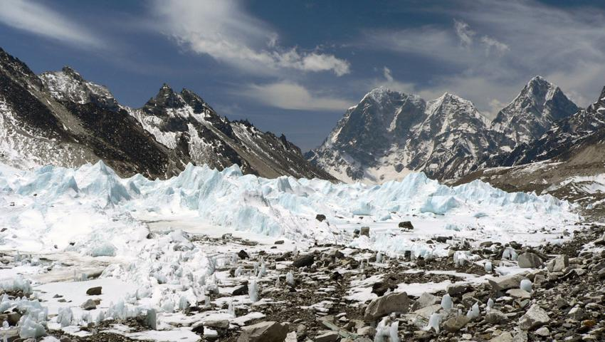 RT @outsidemagazine: Everest glaciers could virtually disappear by 2100: http://t.co/ARXBhj4Esx http://t.co/XJ1wJyT8kT