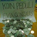 """""""@revolupssi: #SaveEvaGonzales yg tiap hari curhat di tv takut gak bisa makan http://t.co/4QydbdW1nl"""""""