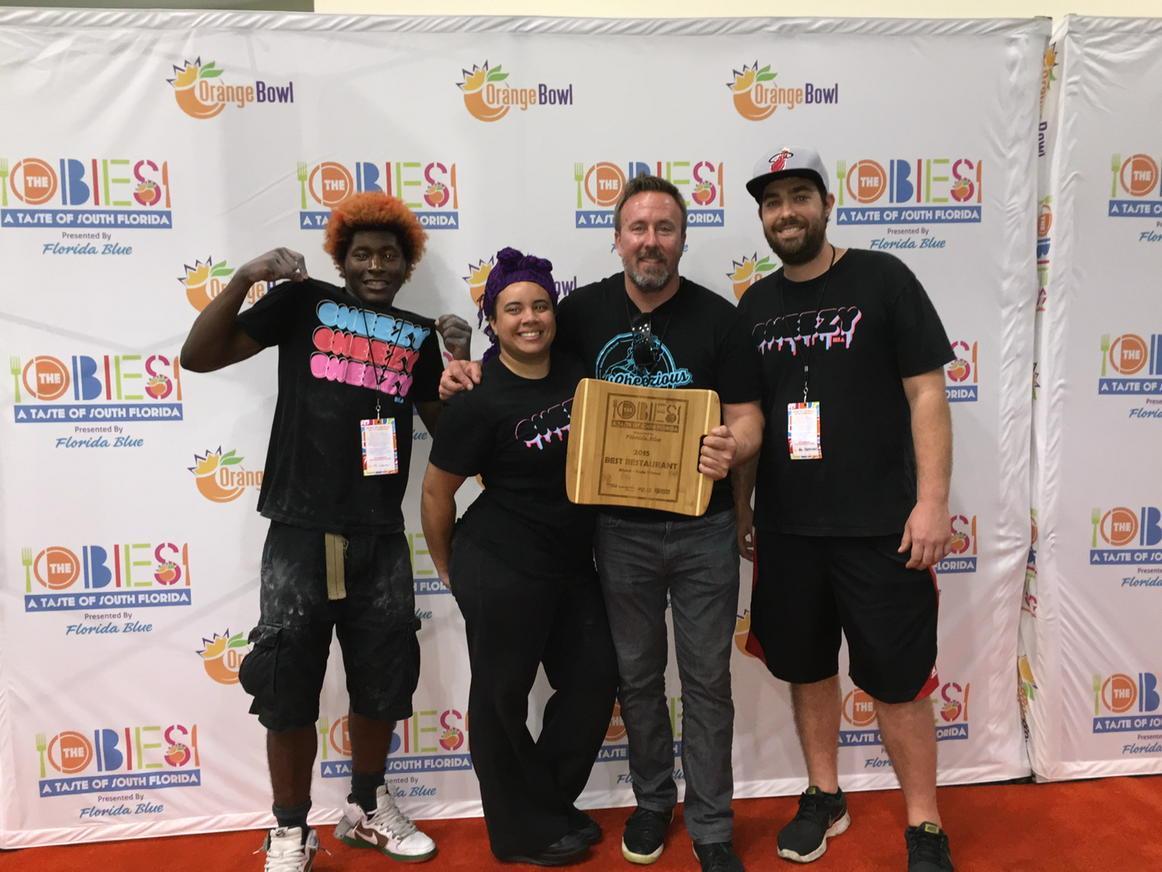 Congrats to @mscheezious, winner of Best #Restaurant: #Miami-Dade! Hollerrrrr! @OrangeBowlOBIES #CheezyLove #OBIES http://t.co/ZM0tThV6BY