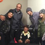 Bay Area Legends in the building: Steph Curry and family meeting Willie Mays at tonights #SFGiants game #MLB #NBA http://t.co/FzYW6fs2rG