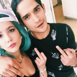 """@halseymusic: Snapbacks are still a thing right? 💕🐶 @tylergposey http://t.co/L47SqQauHq"" FUCK"