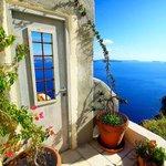 Enjoy a fabulous weekend ! #Santorini #Greece http://t.co/dSUyS9SsZa