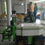 Cest partit pour le concours #MoveYourRobot ! Au @FabLab_Toulouse  Cest de 10h à 17h : http://t.co/BTyjLC49Gy http://t.co/kSSERrbKmz
