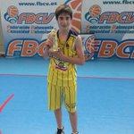 Nicolás García, de nuestro Alevin rojo, MEJOR JUGADOR de la Final. Enhorabuena! #vamosclaret http://t.co/QbDZ8BaeWa