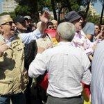 Marcha en Colón contra un Madrid comunista en un ambiente de fuerte tensión contra la prensa http://t.co/kd6KTADbD9 http://t.co/jzCstkbJqc