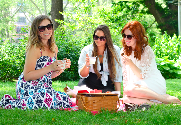 It's summer so perhaps it's time to #bendtherules (ie: take off work) & picnic in the park   http://t.co/EUdhwdTp0R http://t.co/nJ2EoiCAFV