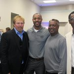 Honored 2b amongst #royals legends last night, especially 4 such a great cause! Thanks again @Frank20White @wwbb6 #kc http://t.co/qTYy2Qdq0d
