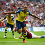 Half-time in the FA Cup final. Arsenal 1-0 Aston Villa. Follow live coverage: http://t.co/pGAb5OtuNr http://t.co/YxljZUWmD8
