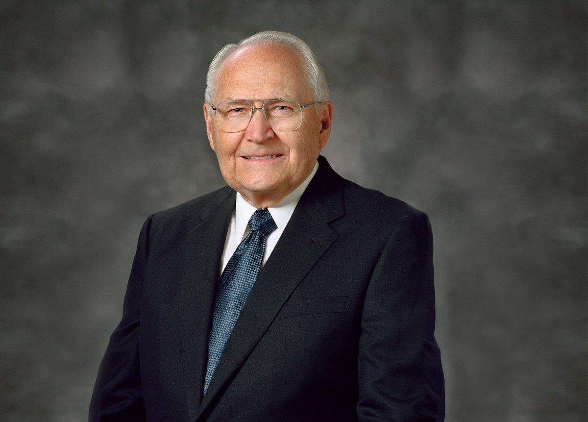 Elder L. Tom Perry Dies at Age 92 http://t.co/aHM3TqPL3r #ElderPerry #LDS #Mormon http://t.co/LjkPyU8qQY
