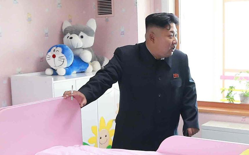 Kim Jong Un having a cigarette in a hospital while stuffed animals are going at it in the background. http://t.co/HBp6AHytOn