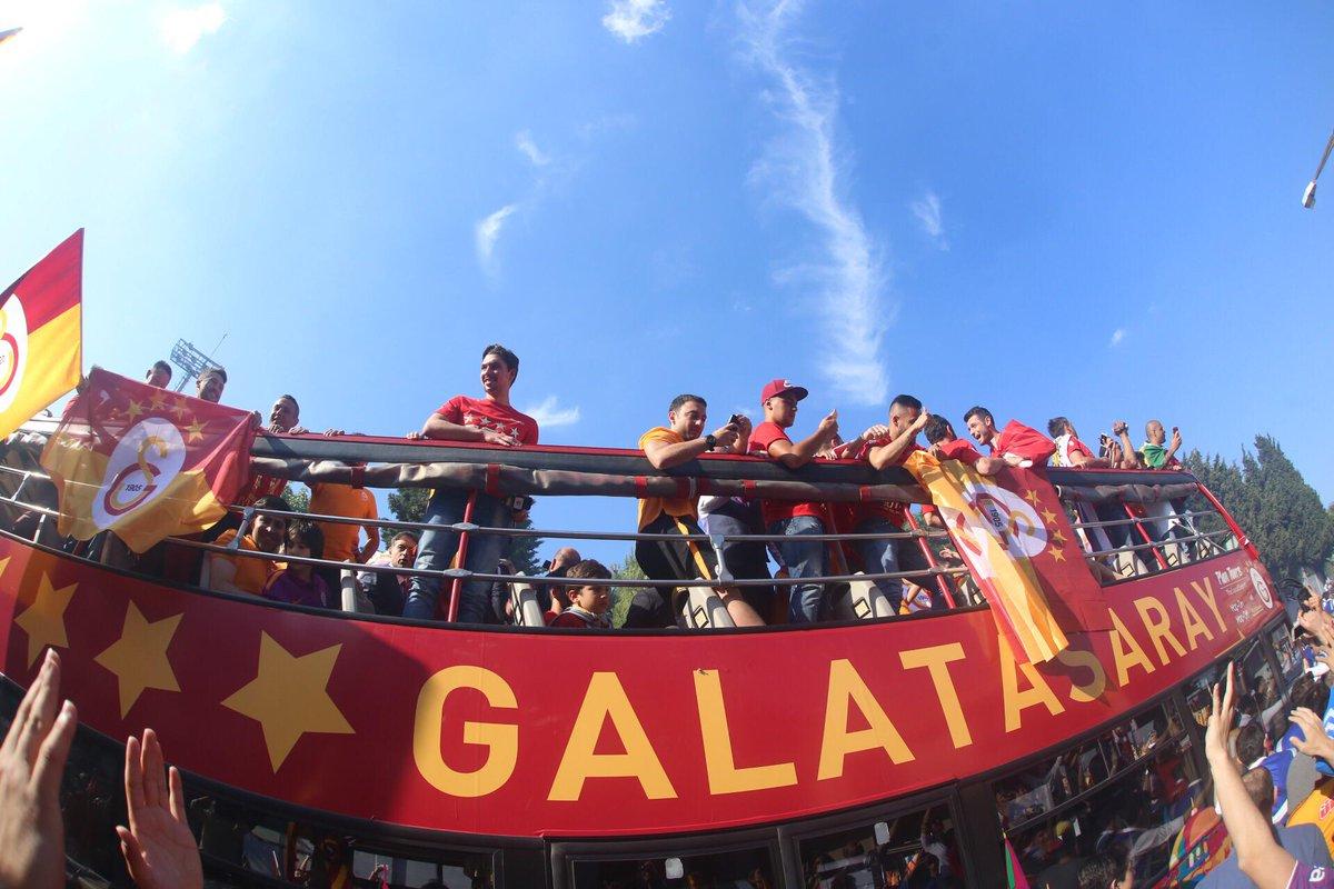 Aslanlar Florya'dan yola çıktı.. #sampiyongalatasaray #galatasaray .@tribunGS http://t.co/VZJA8RrBP4