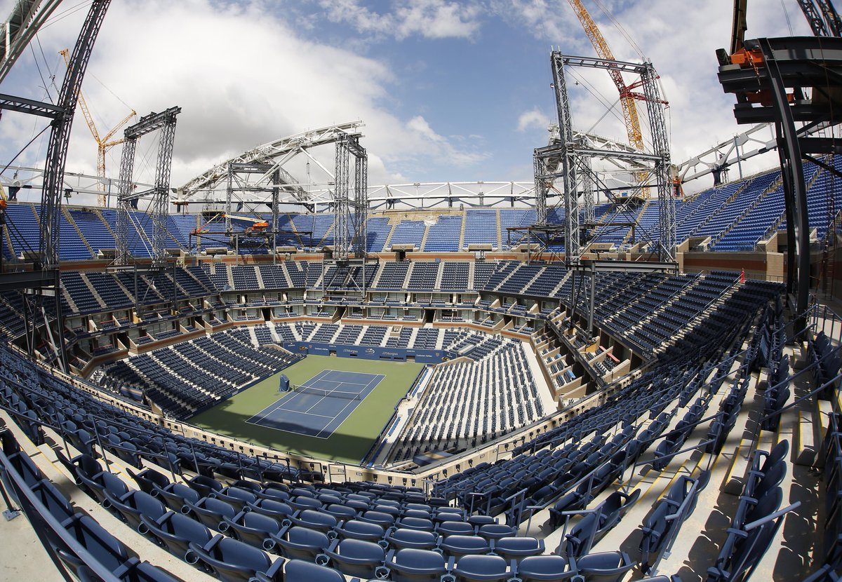 Meanwhile, in Queens, the US Open roof is taking shape http://t.co/X7zI97jOzY http://t.co/8yOJ1L2hiY