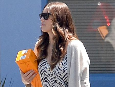 Jessica Biel steps out for the first time since giving birth