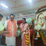 RT @jagdishshetty: Dr @Swamy39 at the start of the function at Nagpur before his talk 'Savarkar & Hindutva' http://t.co/7H4454k361