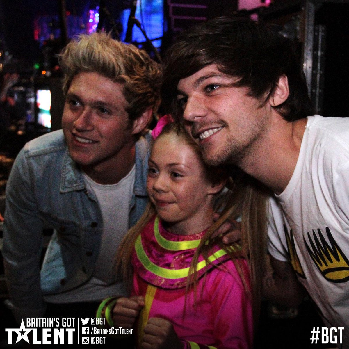Backstage with @JJmcparland & two guys ... @Louis_Tomlinson & @NiallOfficial from some band. @onedirection? #BGTfinal http://t.co/AT8avaH3rg