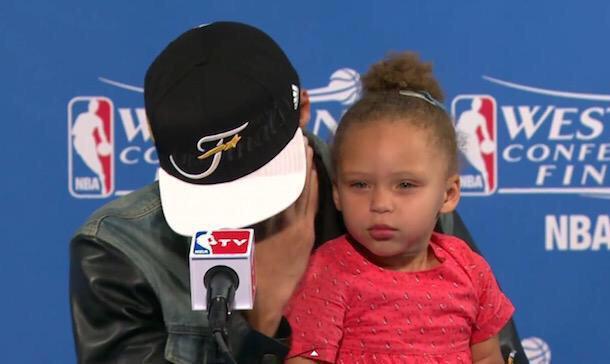 """Why she looking so hard over here?"" http://t.co/JBxREO2UvA"
