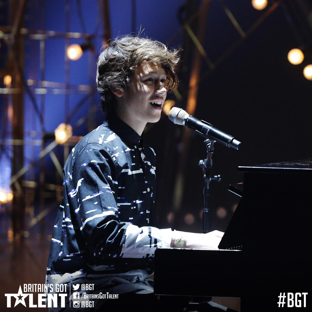 PERFECTION!! RT if you're #TeamIsaacWaddington!! #BGTfinal http://t.co/kyt2Skbz1t