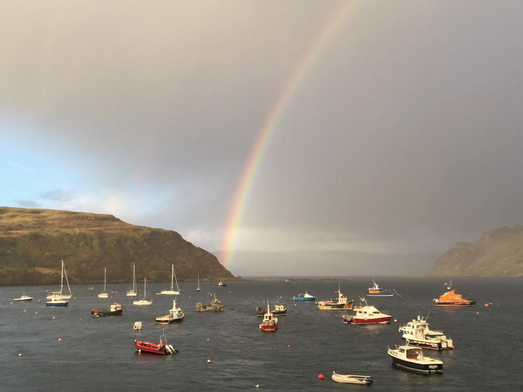 Cracking rainbow outside our @Airbnb apartment..... #Skye #Beautiful #Scotland #portree http://t.co/Dvewt3h2dB