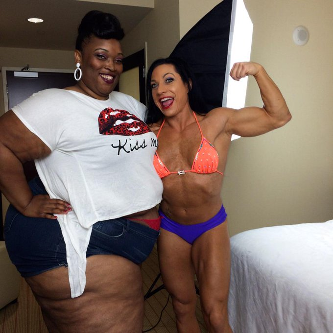 I just finished shooting w the gorgeous #bbw @TokyoRose_530 and Sadie #SSBBW http://t.co/qYD2r4kXCw