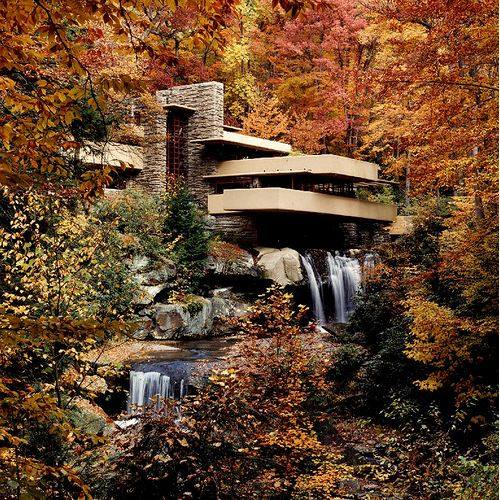 """Happy birthday Frank Lloyd Wright! """"the greatest American architect of all time,"""" http://t.co/89TtQwk6jK http://t.co/7ovpjNNvzS"""