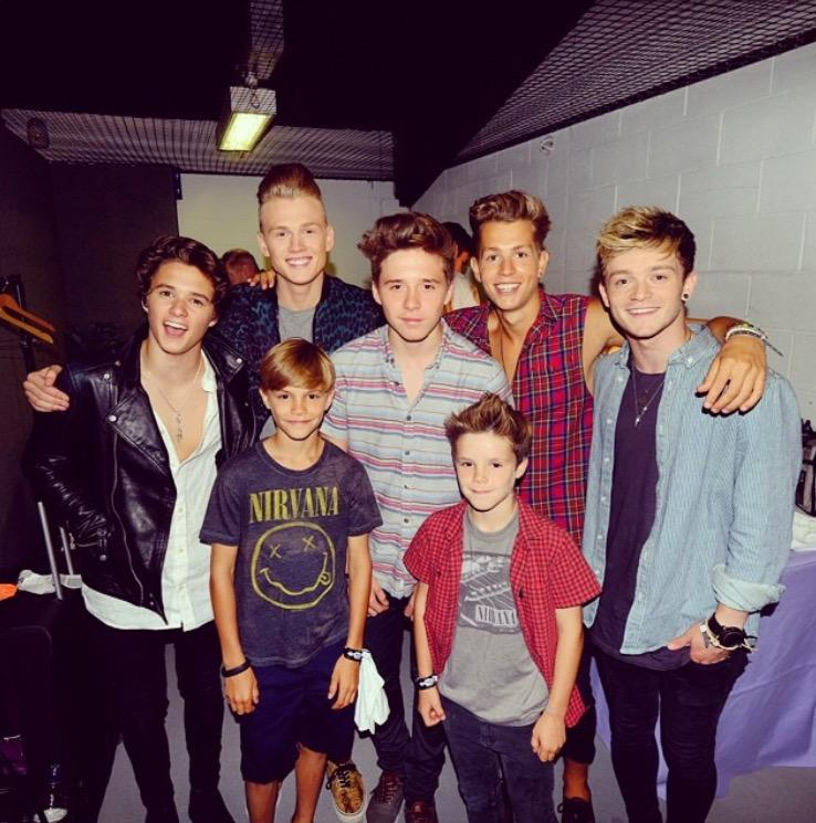 Throwback to this day #SquadGoals @brooklynbeckham @TheVampsband http://t.co/Azs1LorrGK