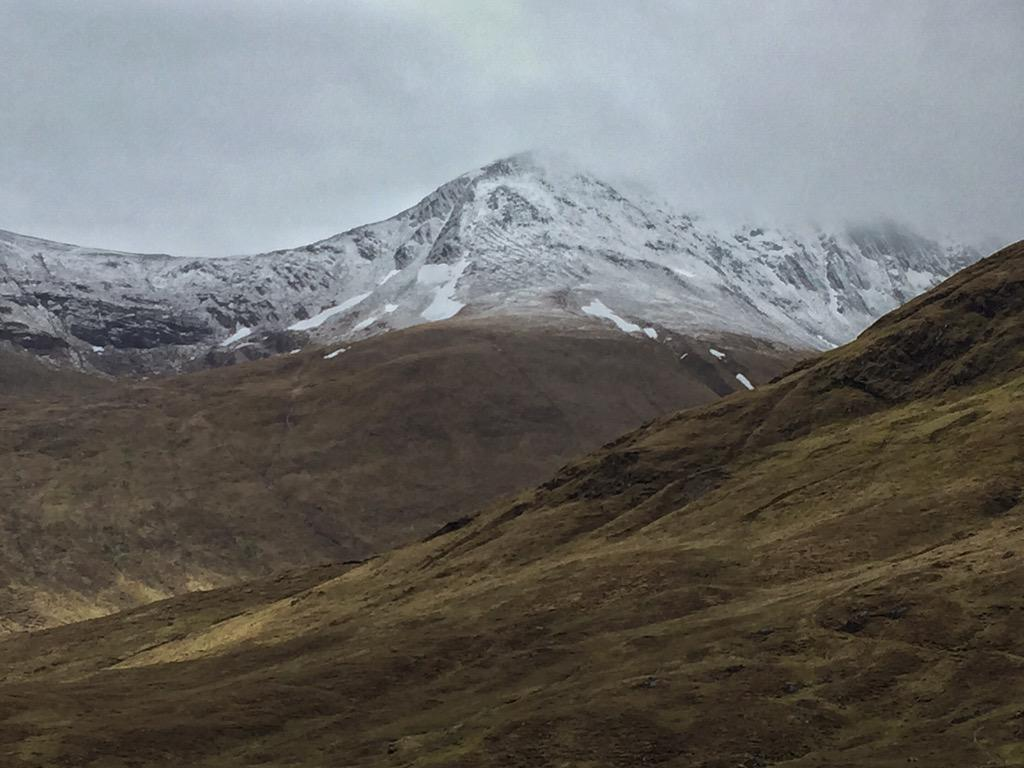 More snow overnight.... In June....... #Scotland #Skye #landscape #photography #travel http://t.co/Tg7ZoMMmqs