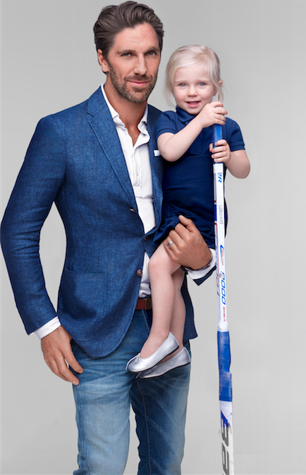 In honor of #FathersDay, @hlundqvist30 shares stylish gifts dads will wear again and again. http://t.co/2hUN27r9FS http://t.co/8rBdr9jeZ9