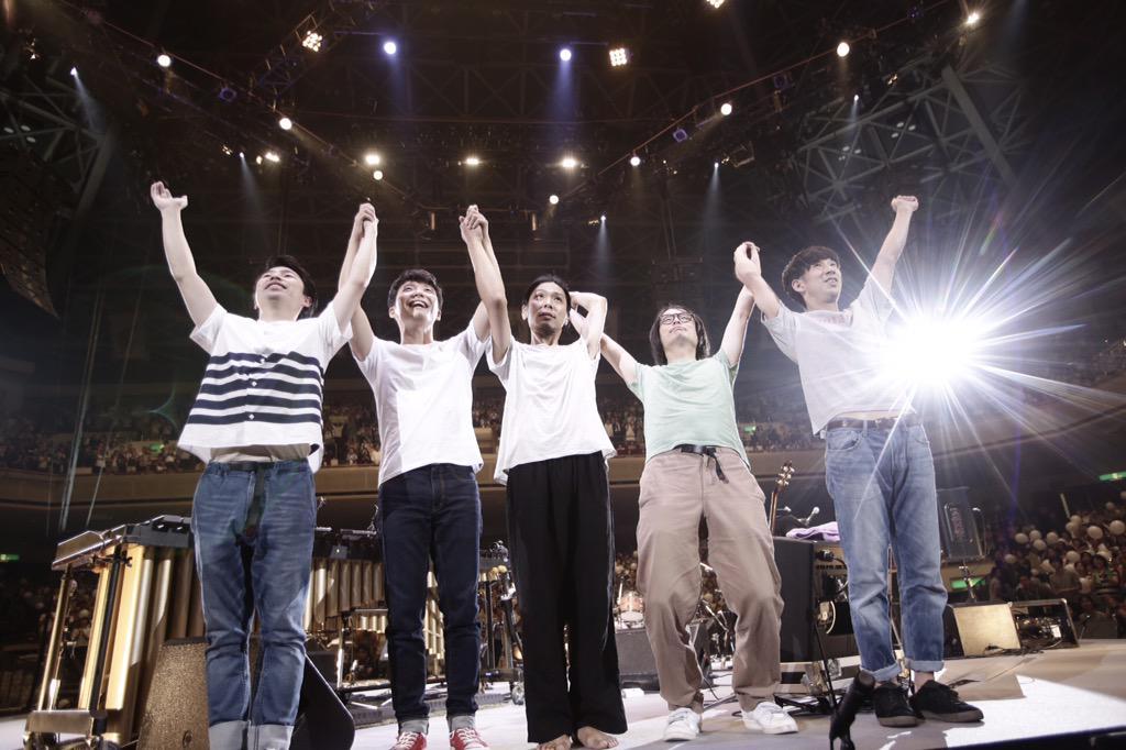 """SAKEROCKは本当に幸せなバンドです!ラストライブ """"ARIGATO!""""無事に終了しました。最高に楽しくて笑えて泣けて、百点でした。今までで一番良かった。ありがとうございました。5人のこれからもお楽しみに!応援してください! http://t.co/CKlNPSOG3g"""