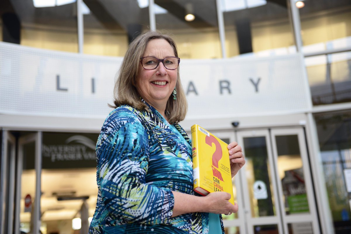Congrats to Jan Lashbrook Green, winner of UFV Teaching Excellence award for 2015. @LibraryUFV http://t.co/dqWChGYmLG http://t.co/LsxW1izFJe