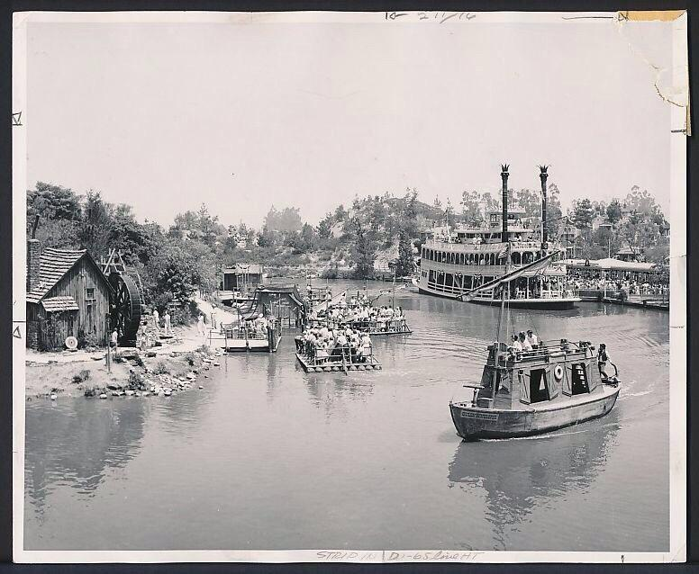 Disneyland's Rivers of America - 1956. http://t.co/OAMJ3bFx08