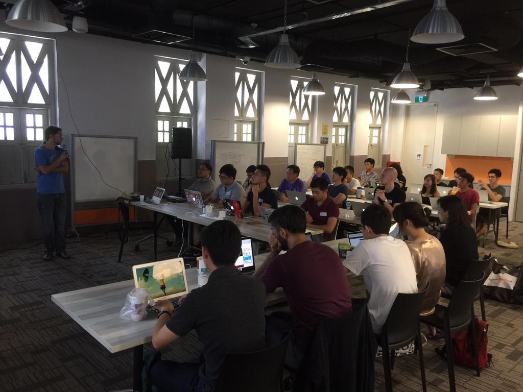 RT @reddotrubyconf: .@RubyMotion workshop by @lrz in progress! #rdrc2015 http://t.co/DxUDUWUFnL