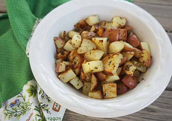 Oven Roasted Herb Potatoes #HotSummerEats http://t.co/zlcZpKoIQy - Thank you to our awesome sponsor @gourmetgardenus! http://t.co/wtaHkPMtYJ
