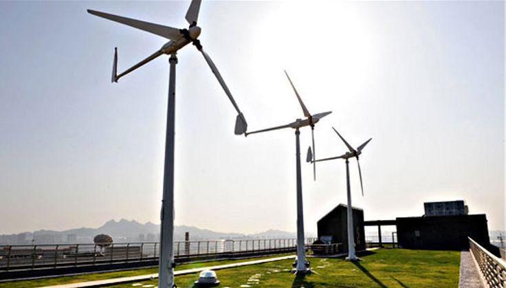 #Windmolens of daken, laten waaien, of gewoon doen? #Duurzaamheid @kvanbrempt @Lord_Wanhoop @GroenenDoen http://t.co/E86uGKgkJi