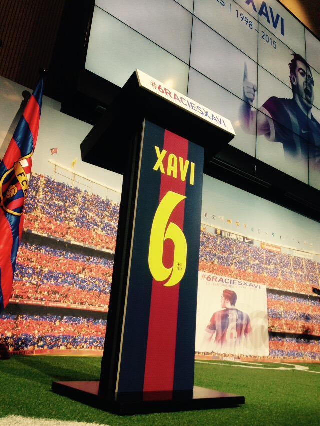 Avui, acte institucional de comiat a Xavi. #6graciesxavi http://t.co/51pqd2zzL6