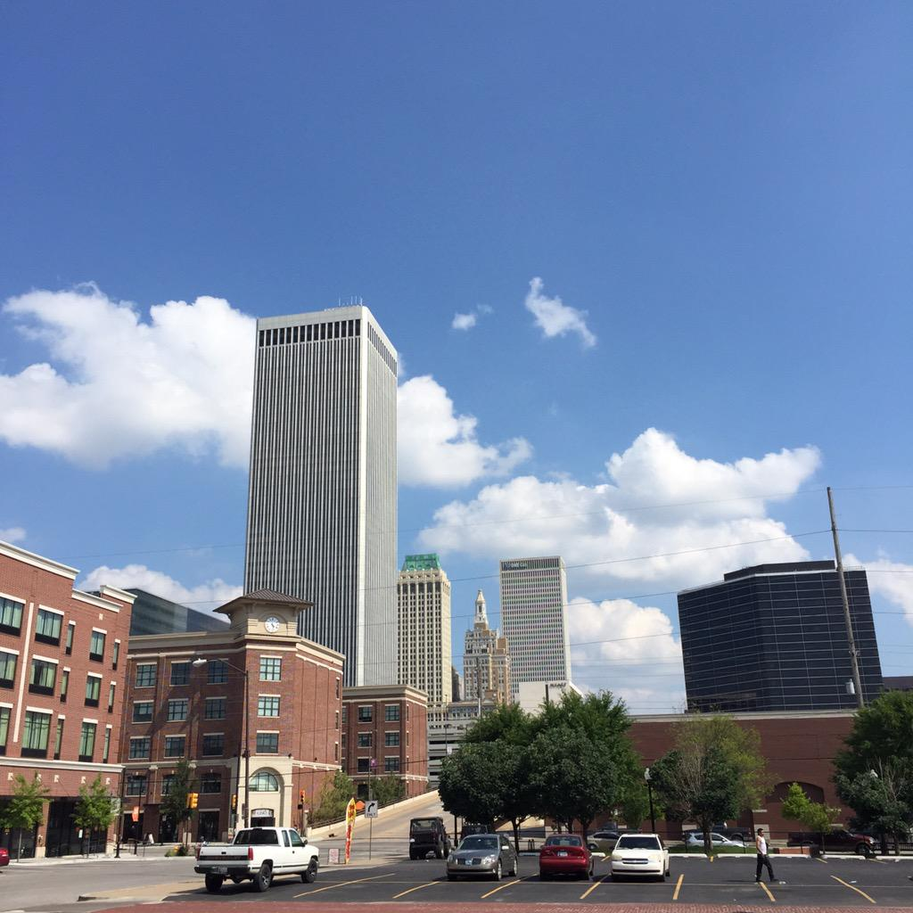 It's a beautiful sunny day here in Tulsey Town. #tulsa http://t.co/8T9dEzU3aT