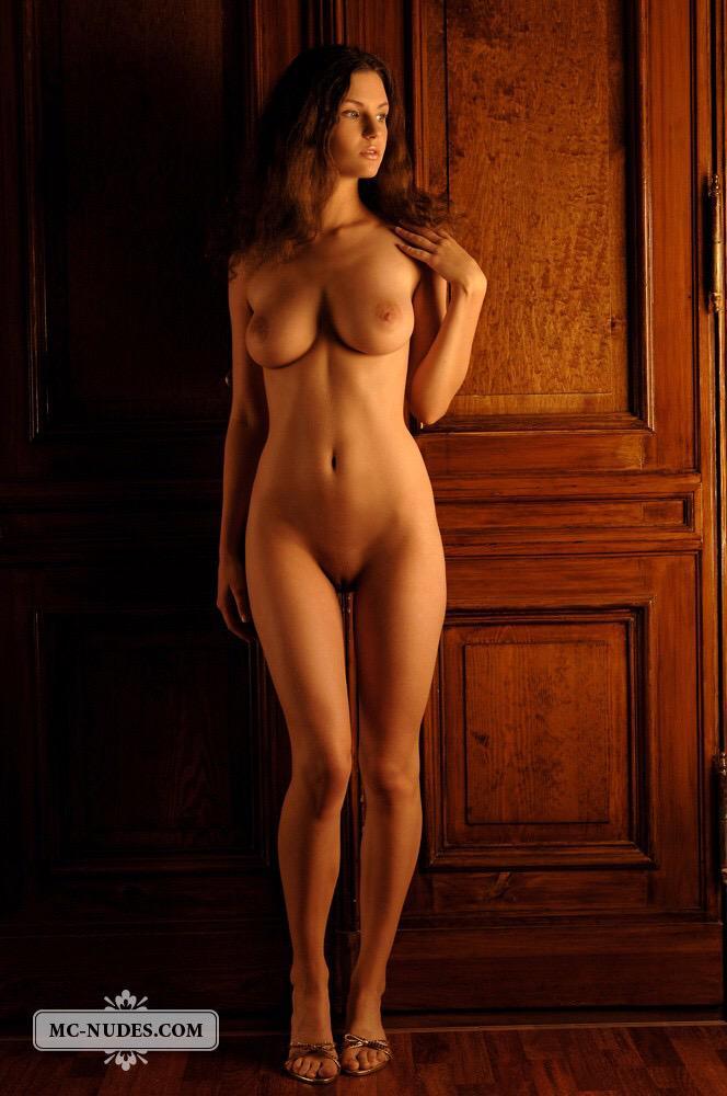 Фото голых с красивой фигурой девушек