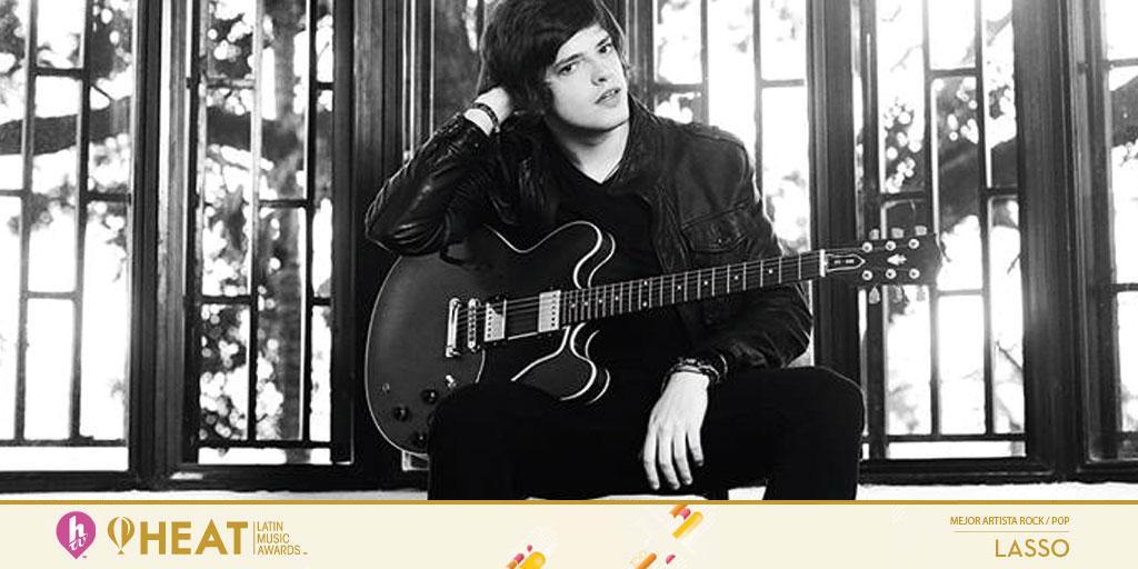 """I ❤ Rock 'n' Roll.  I ❤ @LassoMusica.  ¡Felicitaciones al """"Mejor Artista Rock/Pop"""" en #PremiosHeat! http://t.co/185ORJn5kf"""