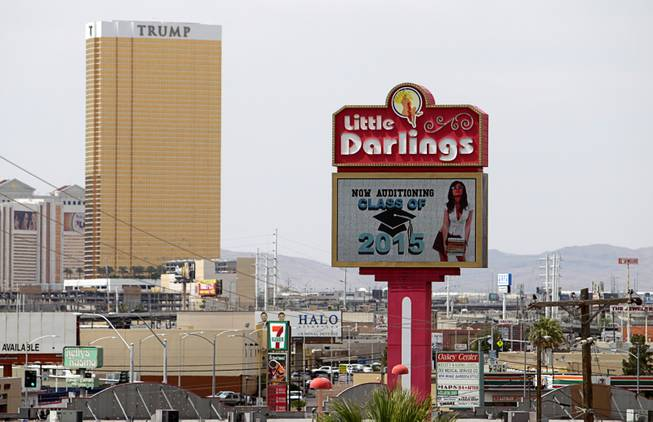 Las Vegas strip club invites recent grads to apply http://t.co/qrQiYvrXzl http://t.co/b3AnSE4SmU