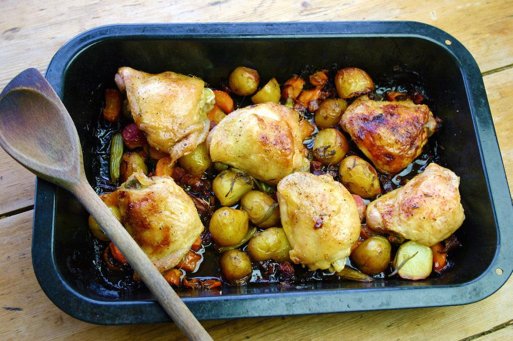 the #chickenthighs are back! This time with #chorizo simple and glorious! http://t.co/PMKZ9c6PvQ #recipe on blog http://t.co/trA63e2cuV